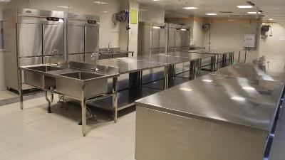 成都商用厨房设备厂家新邑航一直刻守的原则——诚信